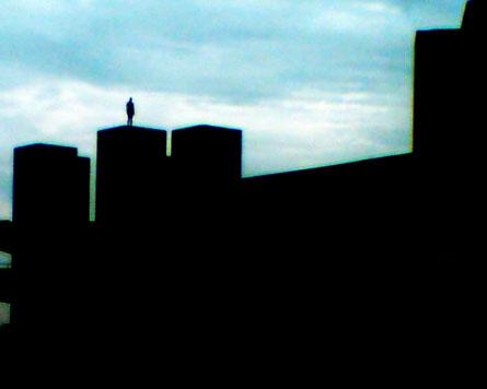 Gormley statue atop the NT
