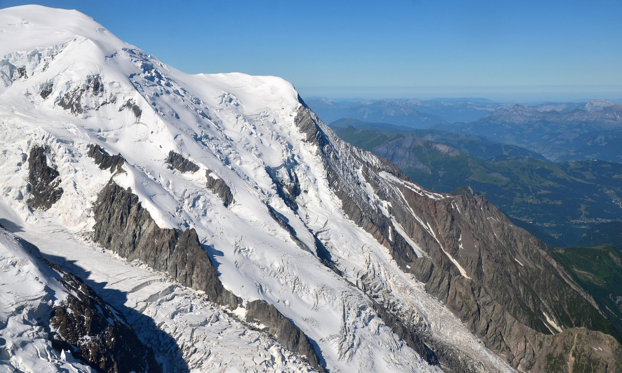 Alps from Aiguille du Midi (SW) by Tony Fernandez. Creative Commons licenced photo on Flickr